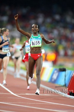 Tirunesh Dibaba set an Olympic record while winning gold in the 10,000m. © www.photorun.net