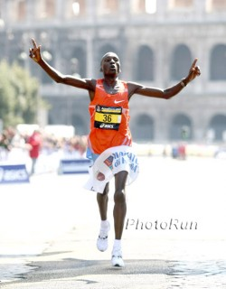 Entered as a rabbit, finished as a winner—Benjamin Kiptoo wins in Rome. © www.photorun.net
