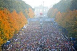 More than 35,000 runners and walkers finished the Berlin Marathon last year. © www.PhotoRun.net