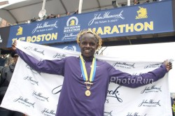 Robert K. Cheruiyot after his Boston Marathon triumph. © www.photorun.net