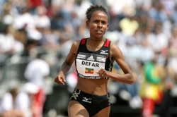 Meseret Defar, seen here setting a world record for 2 miles, set another in Oslo. © www.photorun.net