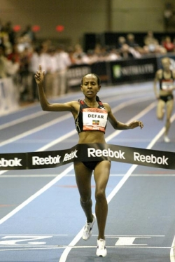 Meseret Defar opened her year with a 2-mile world record. ©www.photorun.net