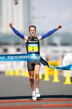 Viktor Röthlin set a national record in Tokyo. ©www.photorun.net