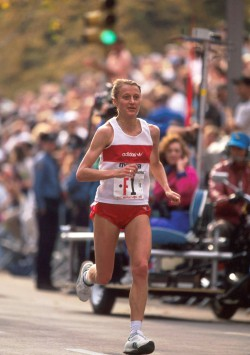 Grete in the 1990 New York City Marathon. © www.PhotoRun.net
