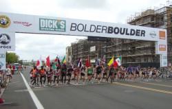 The start of the elite men's race of the 33rd BolderBOULDER. ©Take The Magic Step®/UtaPippig