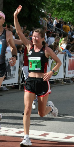 Uta, seen here at the 2008 Bellin Run, enjoyed the great atmosphere on the course. © Bellin Health