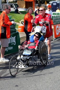 Dick and Rick racing with their new wheelchair. © www.photorun.net