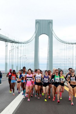 The women's elite field on the Verrazano-Narrows Bridge. © www.PhotoRun.net