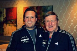 Dick Hoyt together with Bryan Lyons at the team's 2014 Boston Marathon pasta party. © Courtesy of Bryan Lyons