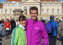 Arne Gabius and Uta Pippig at the ASICS 10K in Berlin in October 2015. © www.PhotoRun.net