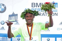 Kenenisa Bekele triumphs in the German capital. © www.PhotoRun.net