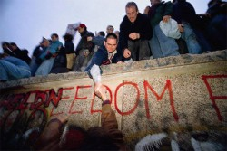 Fall of the Berlin Wall 25 years ago in November 1989...© Bundesarchiv