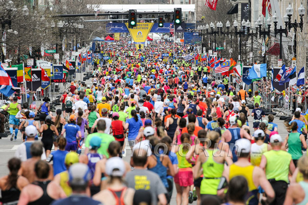 14,000 Women Follow the Footsteps of Two Boston Marathon Pioneers