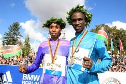 Gladys Cherono and Eliud Kipchoge are the winners of the 42nd BMW Berlin Marathon. ©www.PhotoRun.net