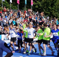 The 'RTL-Spendenmarathon' relay team with Uta in Berlin last. © Michael Reger
