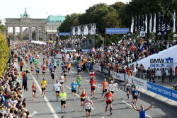 The race in Berlin with the Brandenburg Gate at the finish is the first of the big city marathons this fall. © www.PhotoRun.net