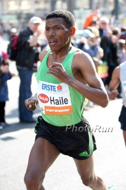 Haile Gebrselassie, seen here at the Vienna Half Marathon 2011, couldn't resist watching the unique track race after his victorious participation at the 10K. ©www.photorun.net