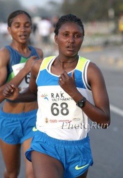 Tiki Gelana, here shown at the 2009 Ras Al Khaimah Half Marathon, proved victorious in Netherlands on Sunday. © www.PhotoRun.net