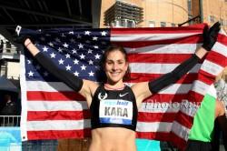 Americans are looking hopeful to Kara Goucher at the Boston Marathon. © www.photorun.net