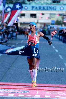 Meb Keflezighi qualified for the third time for the Olympic Games. ©www.photorun.net