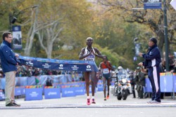 Mary Keitany is the defending champion in New York. © www.PhotoRun.net