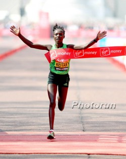 Mary Keitany became the fourth-fastest female marathoner in Great Britain's capital. © www.PhotoRun.net