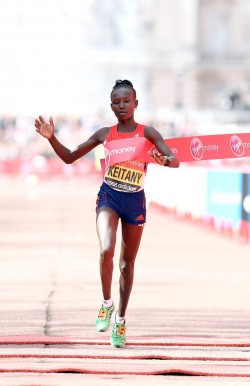 Mary Keitany became the third-fastest female runner of all time. ©www.photorun.net