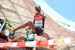 Ezekiel Kemboi retained his 3,000m steeplechase title. ©www.PhotoRun.net