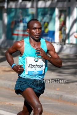 How fast can Eliud Kipchoge run in his second Berlin Marathon? ©www.PhotoRun.net
