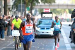 Wilson Kipsang breaks away from Eliud Kipchoge in the decisive phase of the race. ©www.PhotoRun.net