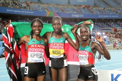 Left to right: Sally Kipyego, Linet Masai, and Vivian Cheruiyot. © www.photorun.net