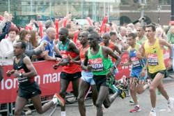 The lead group of the men's race. ©www.PhotoRun.net