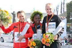 Irina Mikitenko, Florence Kiplagat, and Paula Radcliffe. ©www.PhotoRun.net