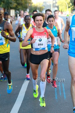 Irina Mikitenko runs a Masters world record in Berlin. ©www.PhotoRun.net
