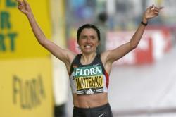 Irina Mikitenko took the women's race in the 2008 and 2009 London Marathon. ©www.photorun.net