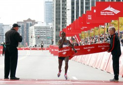 Tsegaye Kebede improved the course record by almost a minute. © Bank of America Chicago Marathon