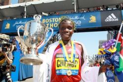 Sharon Cherop is the defending women's champion. ©www.PhotoRun.net