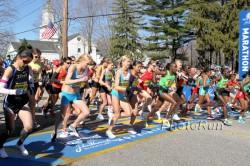 The start of the 2011 women's race in Boston. ©www.photorun.net