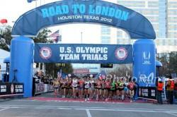 The start of the women's race. ©www.photorun.net