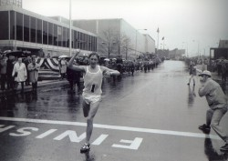 Ron Hill winning the Boston Marathon in 1970. © Courtesy of Boston Athletic Association
