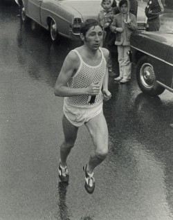 Fighting the elements—Ron in the Boston Marathon 1970. © Courtesy of Boston Athletic Association