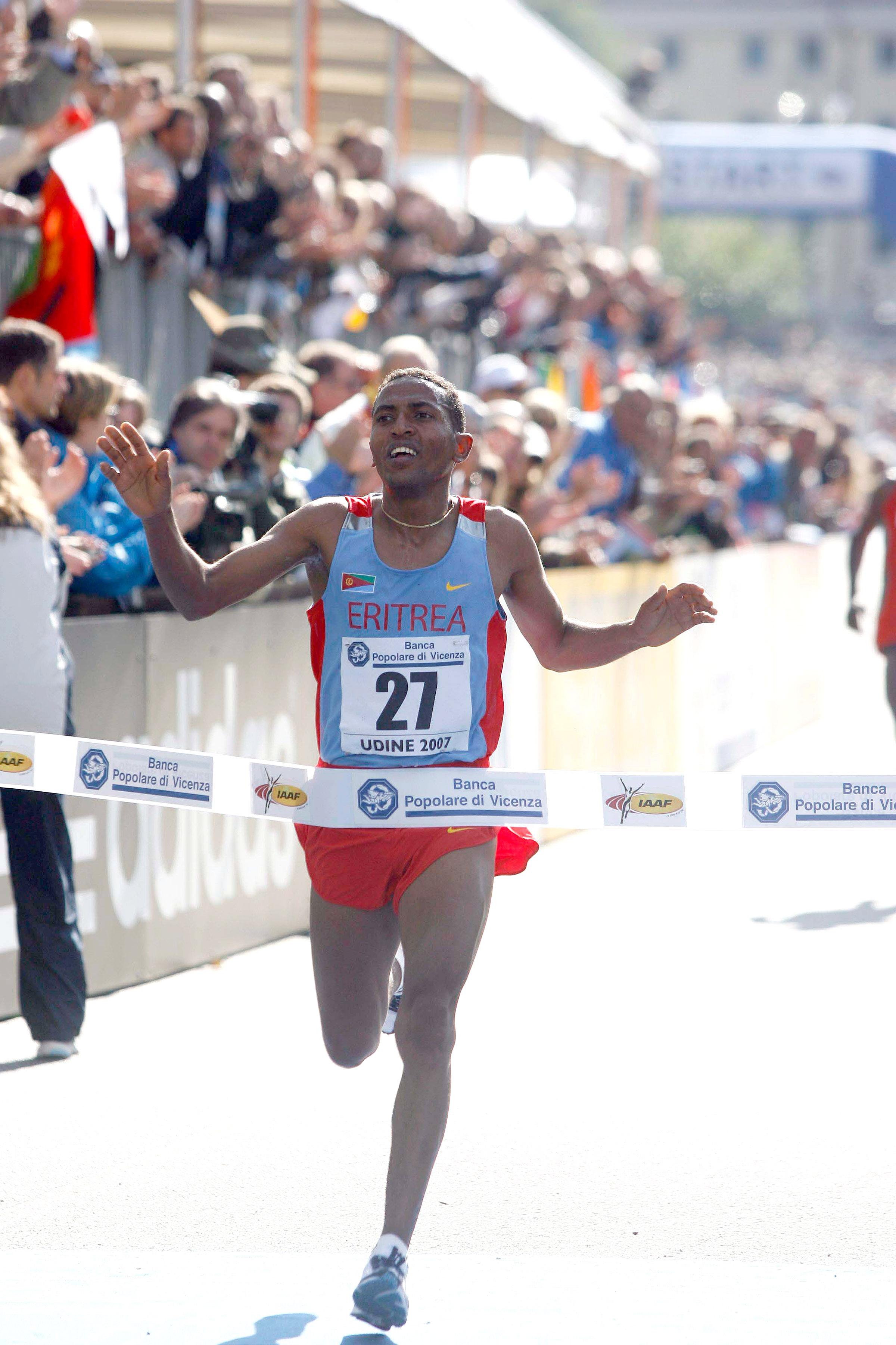 Zersenay Tadese, seen here at the 2007 World Half Marathon Championships, won by a big margin in Lisbon. ©www.photorun.net